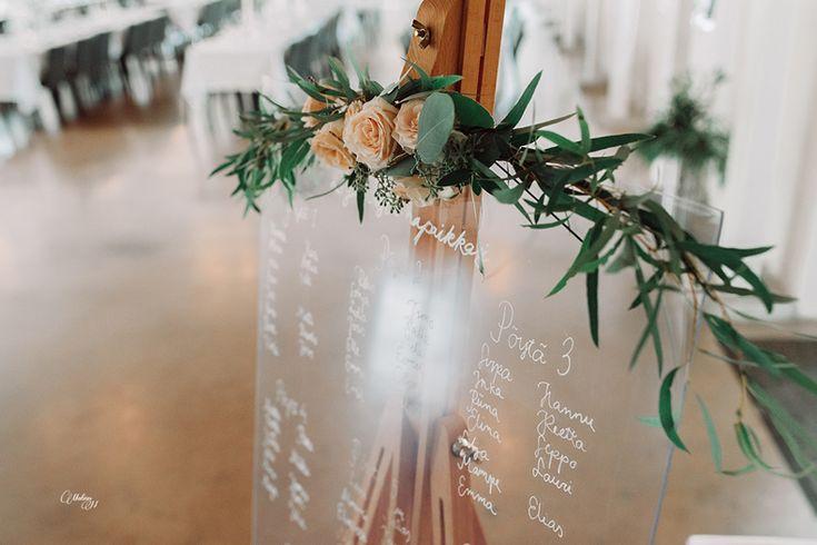 Custom made romantic wedding stationery by www.makeadesign.fi / Romanttiset kukalliset hääkutsut ja printit / Häät Wanha Bäckby / Photo: Matias Niinimäki