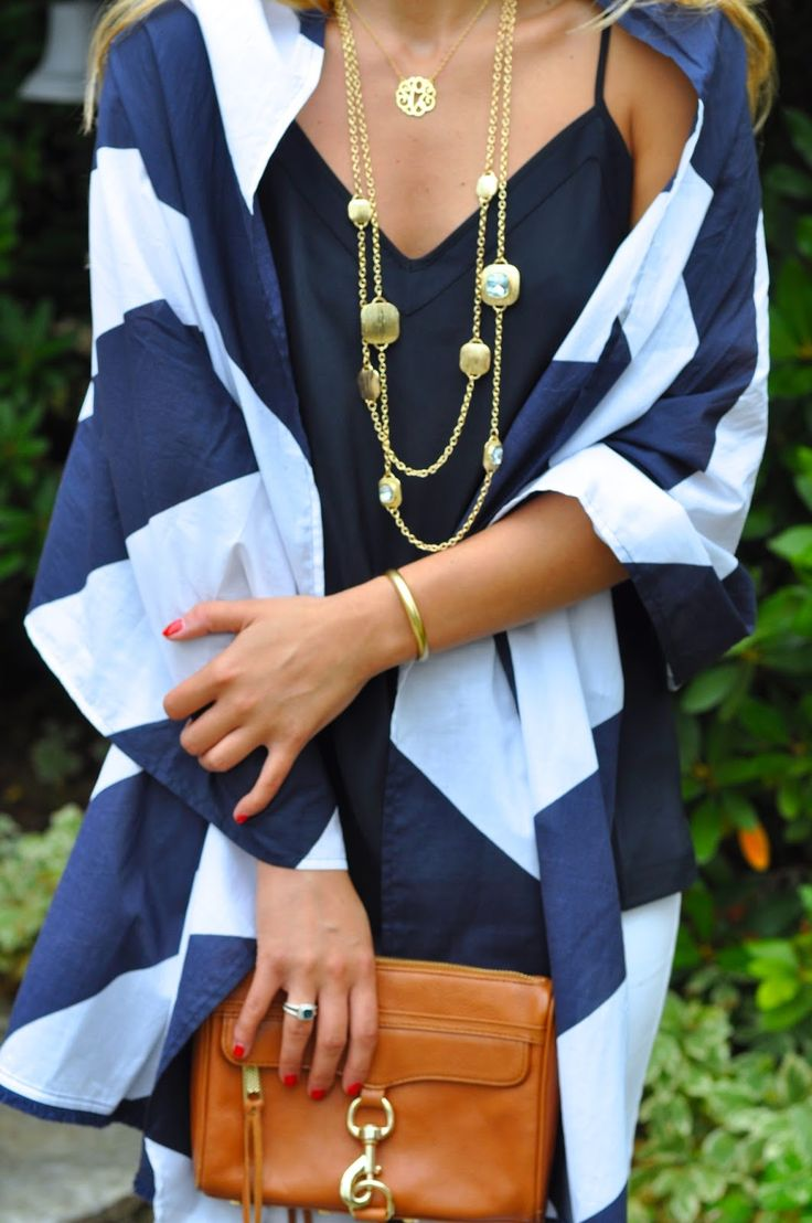 Summer Wind: Navy and White