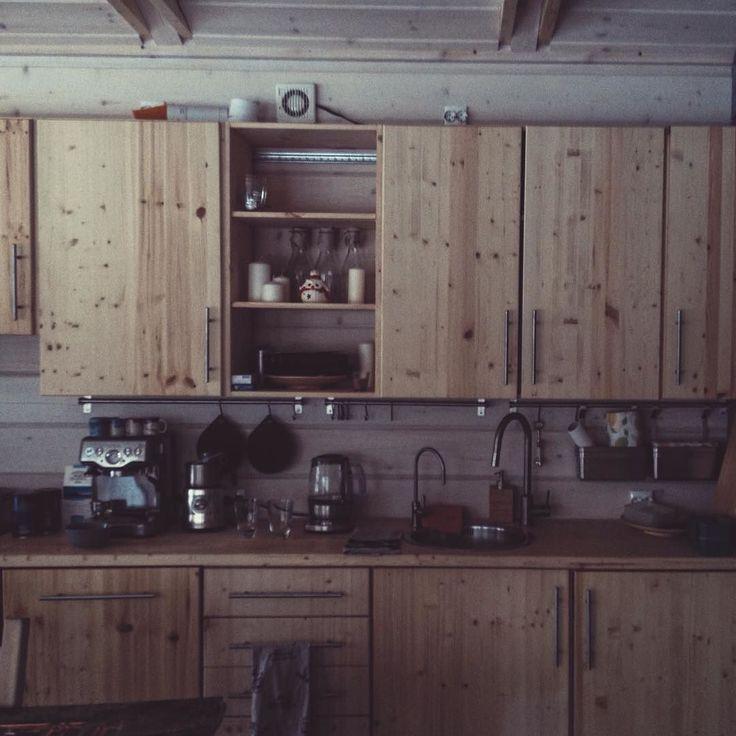 Уют в дубльдоме - уют в душе  #дубльдом #dubldom #prefab #modular #modularhouse #cabin #greentinyhouse #wood #tinyhouse #tinyhomes #prefabhouse #pokrov #vladimir #dubldom33 #дубльдом33 #дубльдомкалуга #dubldomkaluga #kaluga #findyourplace #besedy #беседы #vsco #vscocam by vitshas