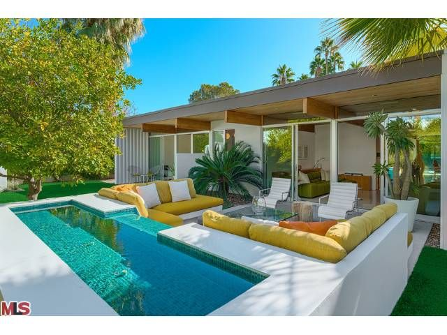 Palm Springs Home retro mid-century modern - back yard - great pool, large sitting area w/ built-in couches