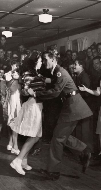 ad5c84d5b423 Leah Loverich - 1940s Throwback | SWING HOPPING | Vintage dance, Lindy Hop,  Dance