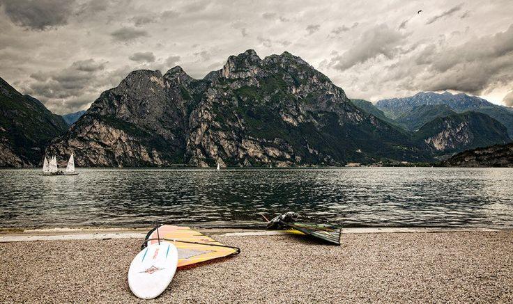 http://www.canonclubitalia.com/public/forum/Sfide-Fotografiche-paesaggi-mozza-t550151.html
