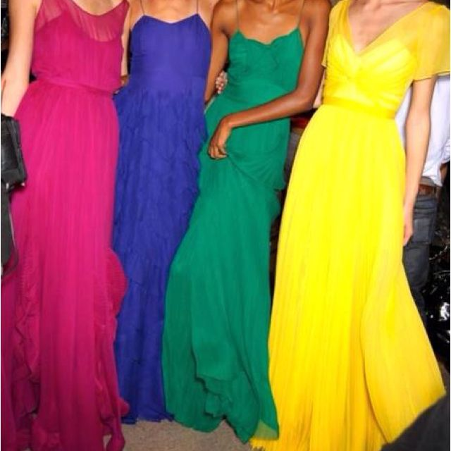 Gorgeous dresses good idea for summer bridesmaids :) #Bridesmaid #Dress #Summer AWESOME!!!
