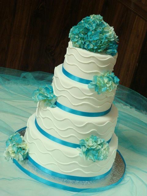 Pretty - Hydrangea Wedding Cake by springlakecake, via Flickr