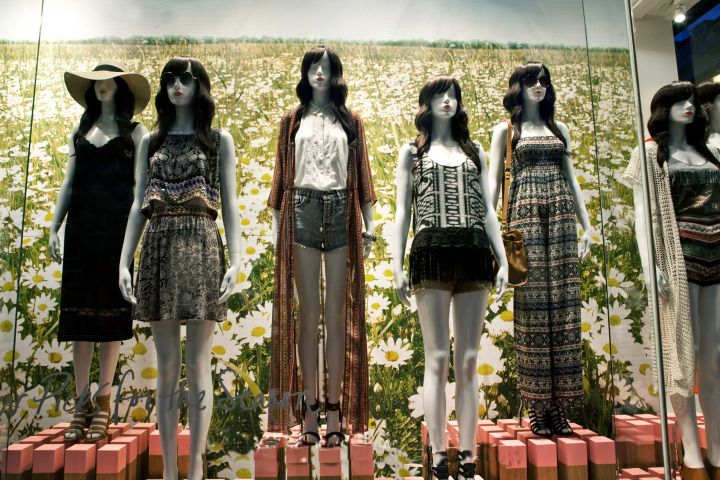 window store display Forever 21, NY, April2014