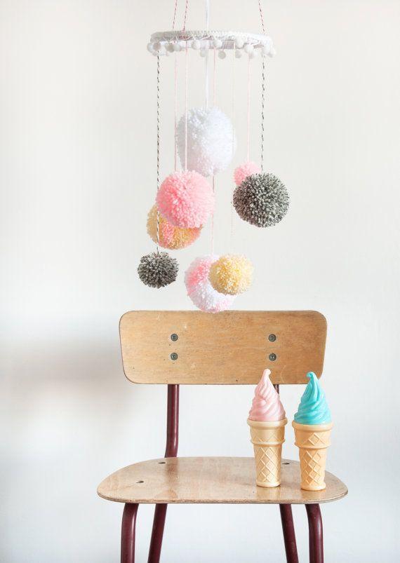 DIY Pompom Mobile