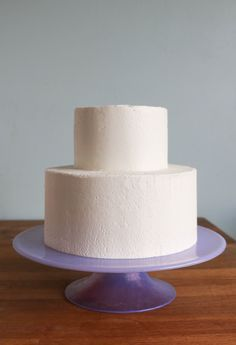 How to Ice a Wedding Cake with Buttercream | Erin Gardner | Craftsy