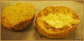 Opiskelijat valmistivat pehmoisia skonsseja.      Nopeatekoiset skonssit voisivat hyvin sopia meidän suomalaistenkin aamiaispöytään...