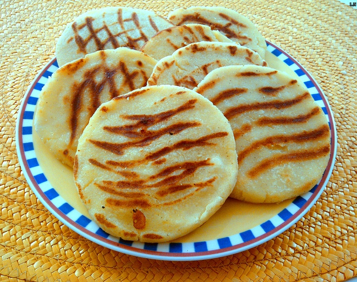 Arepas, Colombian Food. I know how to make these!