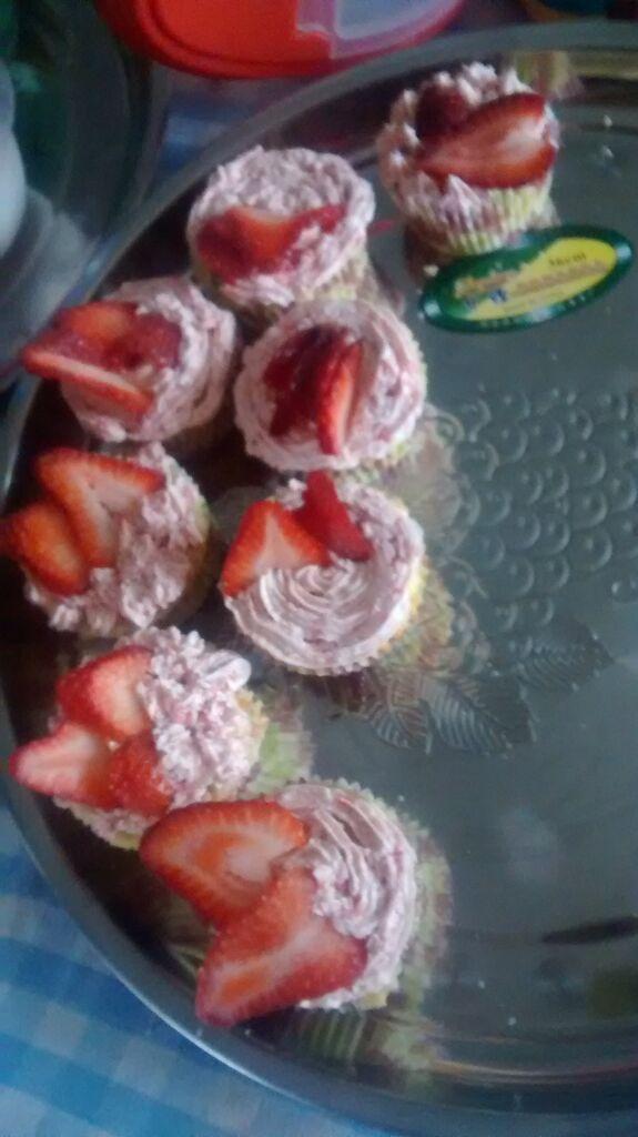 Día 27: Uno de ellos es hacer cupcakes :3