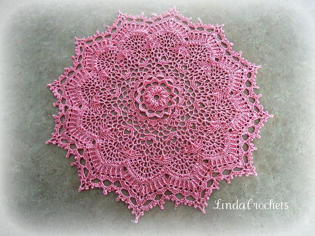 """Stunning - A Patricia Kristoffersen design from """"Simply Delightful Doilies"""""""