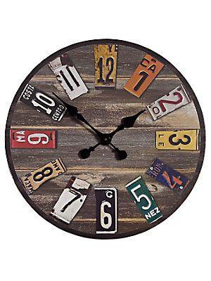 Horloge sur bois de palette recyclée et morceaux d'anciennes plaques d'immatriculation / DIY / Upcycling