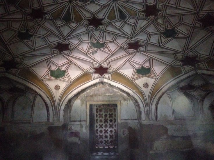 The underground crypt of Nisar Begum in Khusrau Bagh