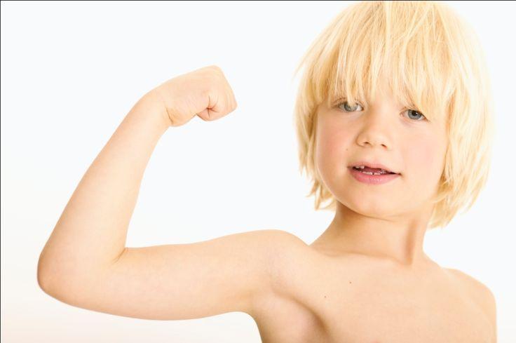 Воспитание мальчика | Как из мальчика вырастить настоящего мужчину | Мальчик-будущий мужчина. Взрослые мужчины бывают откровенными и ответственными, злыми и добрыми, порядочными и не очень. Некоторые из них являются одновременно ответственными, добрыми и порядочными, другие же остаются маленькими мальчиками, но не всегда в положительном смысле.В психологии это явление называется «инфантилизмом», при этом специалисты отмечают, что.....