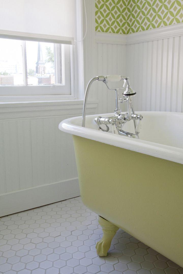 20 Creative Painting Clawfoot Tub Traditional Bathroom
