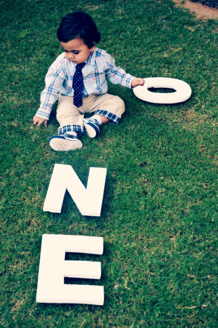 Cute ideas for a little boy first birthday photoshoot