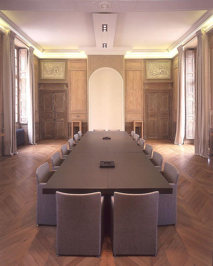 Wilmotte & Associés - MerySurOise_salle de reunion_bleu gris.jpg
