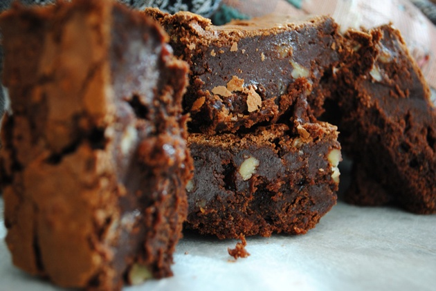 I would make these brownies right now if I wasn't out of chocolate... or butter.  Ugh
