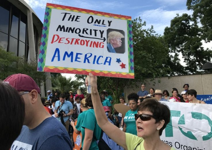 Texas sanctuary city law could lead to immigration police state: lawyer