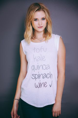 I'd love to work out in this top! Don't eat that much tofu, but kale, spinach, quinoa and wine? Check, check, check and CHECK!