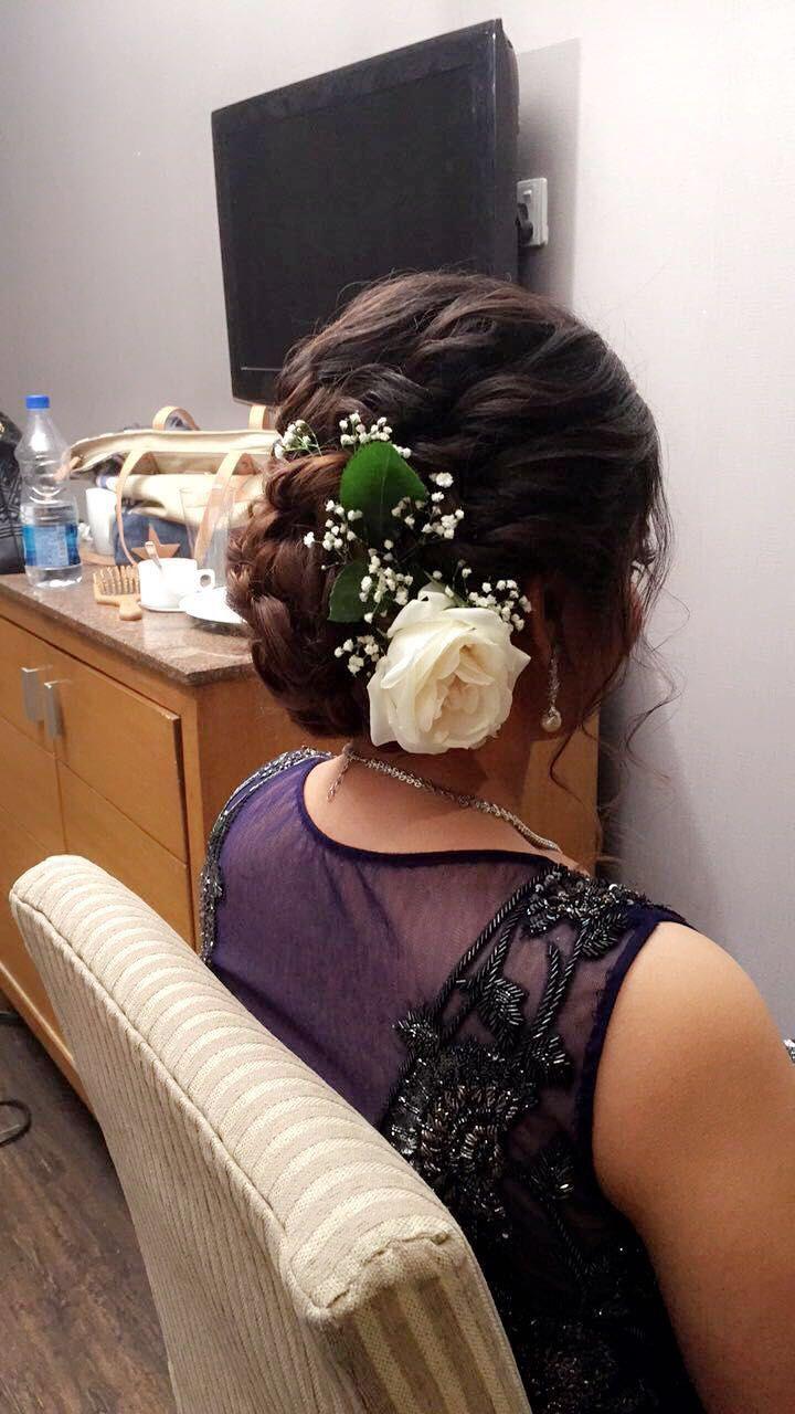 Hairbun Indian Wedding Hairstyles Floralbun Messybun Hairstyles Bridal New Site Indian Wedding Hairstyles Hair Styles Indian Hairstyles