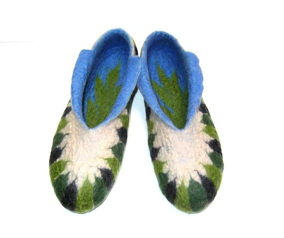 Robinsons ... Felted slippers / Green / Black / Beige / Blue ♡ Handmade