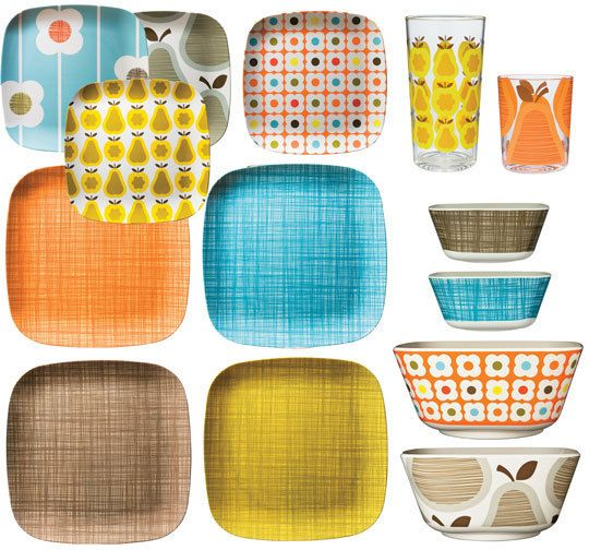 i have the cross hatch big plates and bowl, and the grey pear and blue flower small plates--but i LOVE it all!