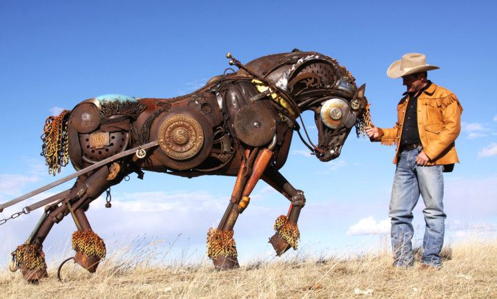 John Lopez reciclying sculptures