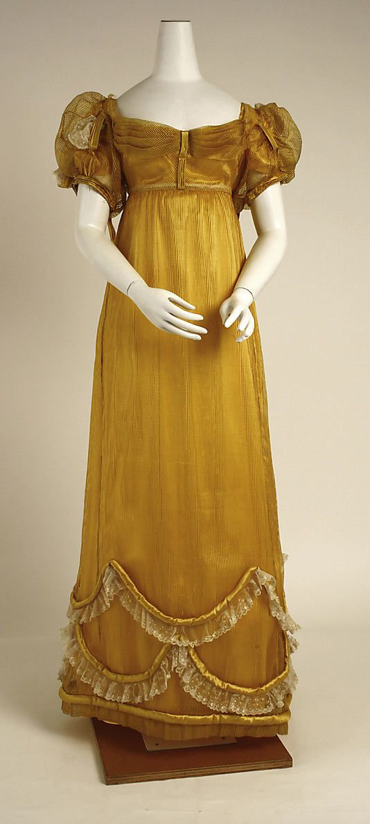 Gold silk evening dress, British, ca. 1818.