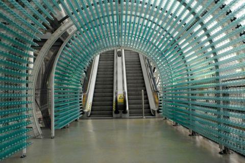 80000 préservatifs recouvrent le Centre Pompidou