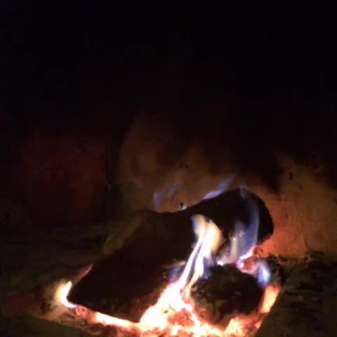 Romantischer Abend mit #Kaminfeuer #Wein und guter Laune. #Bloggerwellness im #Vinospa
