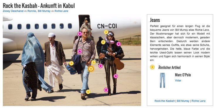 Perfekt geeignet für einen langen Flug ist die bequeme Jeans von Bill Murray alias Richie Lanz. Der Musikmanager hat sich für ein Modell mit klassischem, aber dennoch modernem, geraden Bein entscheiden. Dadurch werden andere Elemente seines Outfits, wie etwa seine Schuhe, hervorgehoben. Die helle, blaue Farbe und die leichte Used-Optik lassen seinen Look modern wirken und fügen sich harmonisch in seinen Style ein.
