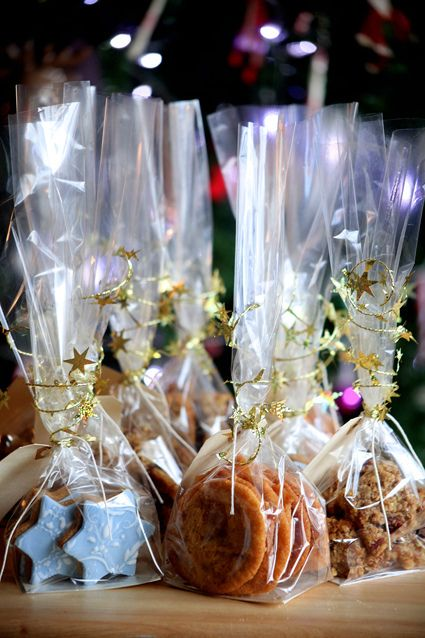 christmas cookies, ginger cookies, fudge cookies, cherry and apricot flapjack, gifts, baking, www.madewithloveby,me