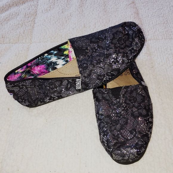 Sparkly BOBS Shoes Size 8 1/2. Black / silver: sparkle accent. Excellent condition. BOBS Shoes Flats & Loafers