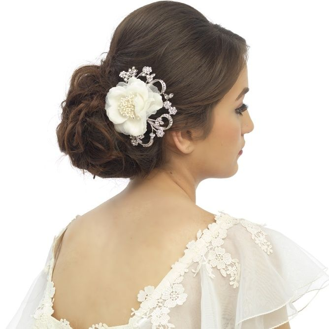 Vintage Style Flower Headpiece With Crystal Scalloped Detailing