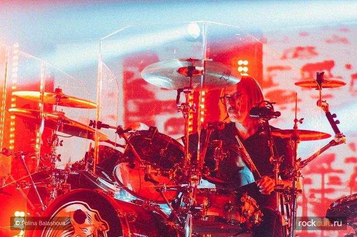 Бутч Виг рассказал, каким будет новый альбом Garbage Strange Little Birds - http://rockcult.ru/butch-vig-on-garbage-new-album