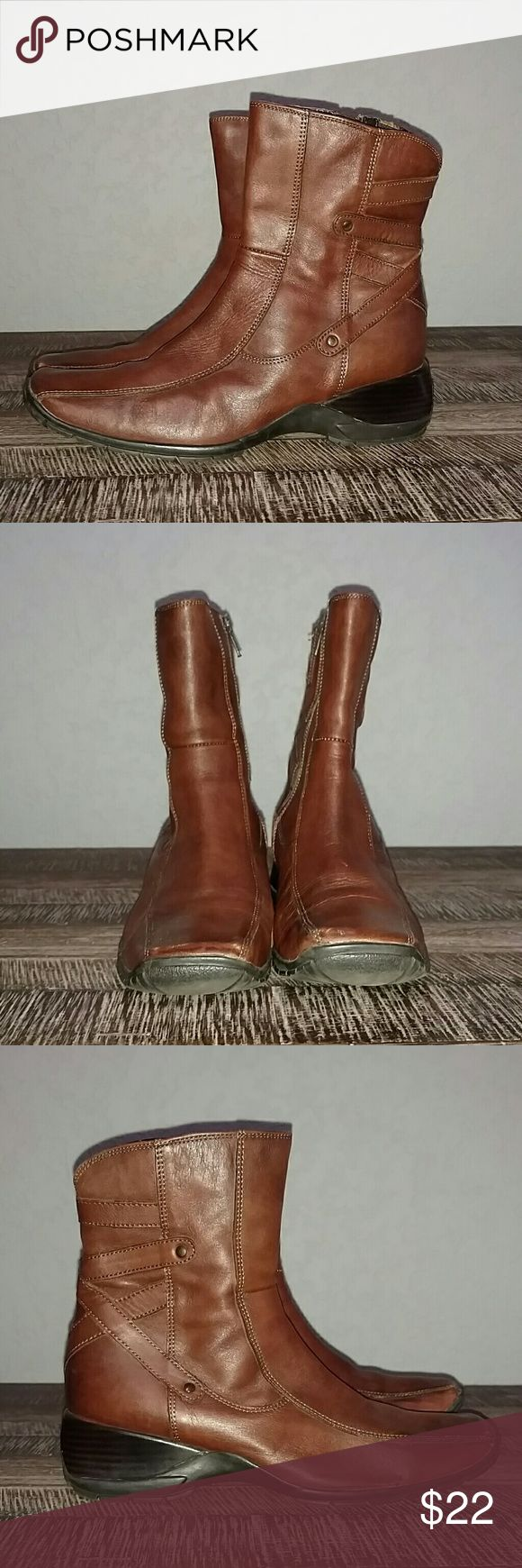 Clark's Brown Short Ankle Boots Clark's Brown shirt ankle booties. In excellent condition. Size 8.5 Clark's Shoes Ankle Boots & Booties