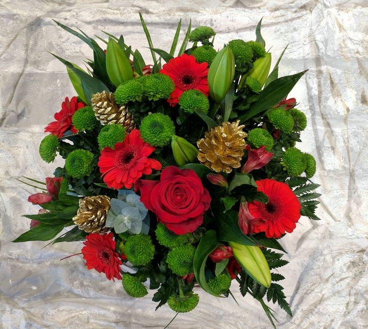Fresh Christmas Bouquets are available to be delivered anywhere in the country via local florists.  Ready for order now!