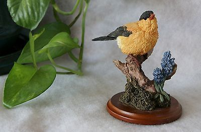 The Stratford Collection Country Artists Goldfinch 00965 Bird Figurine
