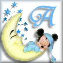 Alfabeto de Mickey Bebé durmiendo en la luna.
