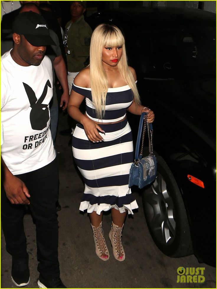 Nicki Minaj is stylish in stripes as she heads into a party at the Playhouse nightclub on Friday night (June 17) in Hollywood.     The 33-year-old rapper joined…