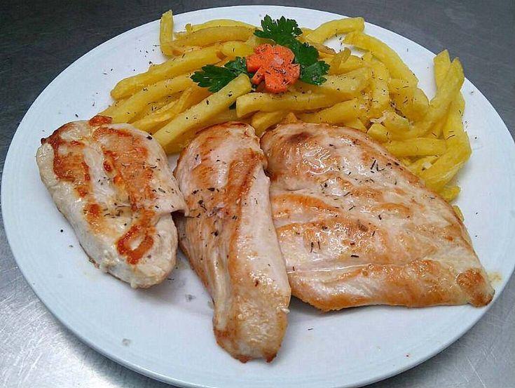 Pechuga de pollo plancha. Reserva online en EligeTuPlato.es