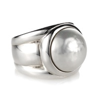Sterling Silver Ring with Cabouchon Pearl from Miglio