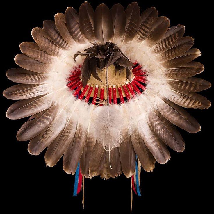 Cheyenne style Eagle Feather War Bonnet 3000.15.01 (back view) ☩ «4Colors»™