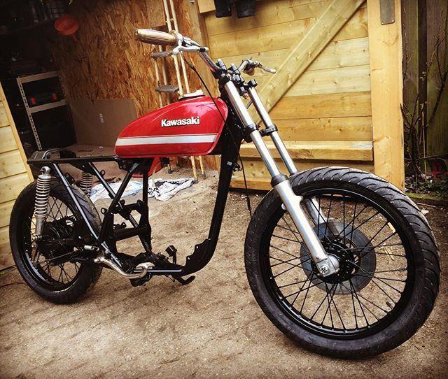 STCMs latest build in progress :: Bike - '84 Kawasaki Z200 street tracker by @speedtemplecm ::