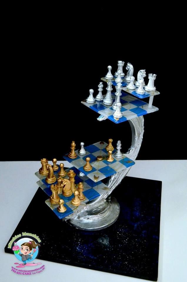 This Edible Star Trek 3D Chess Set Is Out Of This World! made by Mitchies Munchies