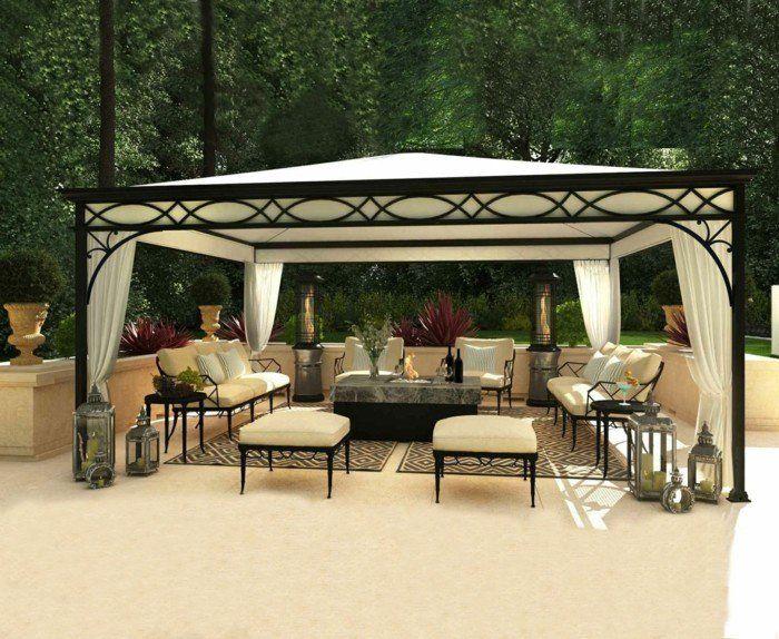 pergola moderne fer forgé noire, toile pergola qui abrite un espace détente, une oasis pittoresque