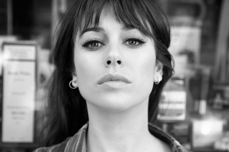 Blanca Suárez en 7días/ 7looks: Look de belleza y pendientes de aro