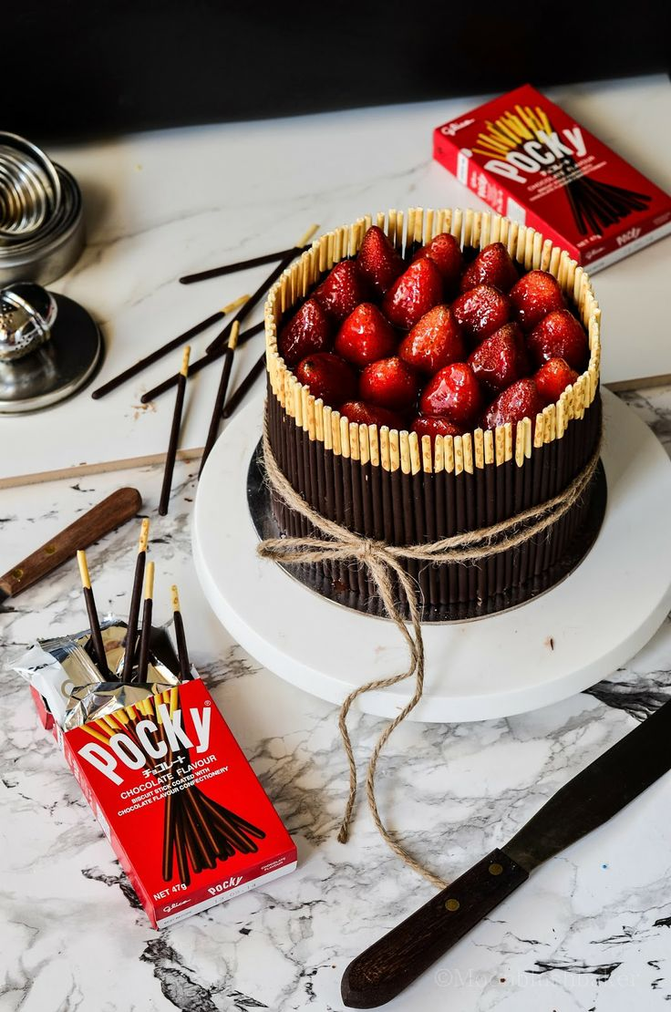 The moonblush Baker: Pulling at the heart strings /-/ Triple Choc mousse pocky cake