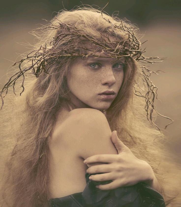 delicate expression and posing | Myth and Beauty – Portraits by Katerina Plotnikova